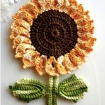 The Sunflowers Flower and Leaf with Free Crochet Pattern